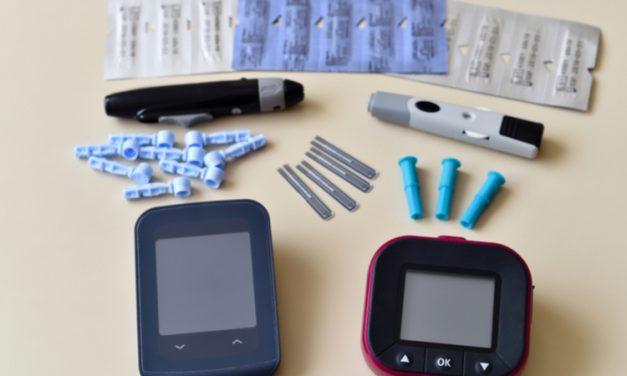 Análisis de cetona para saber si la diabetes está bajo control